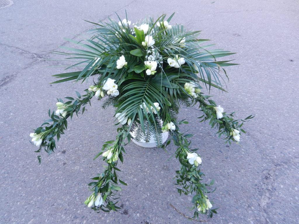 Wiązanka z białymi kwiatami