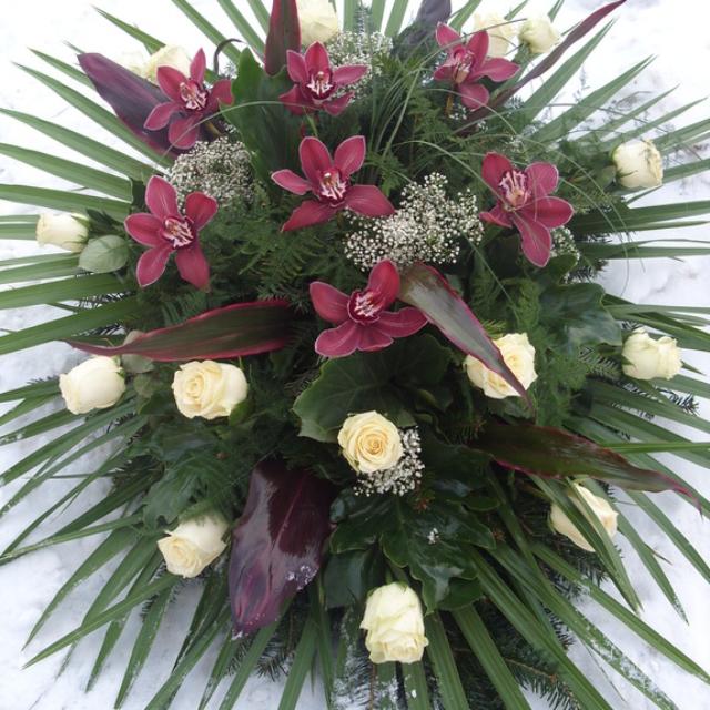 Przepękna pogrzebowa wiązanka