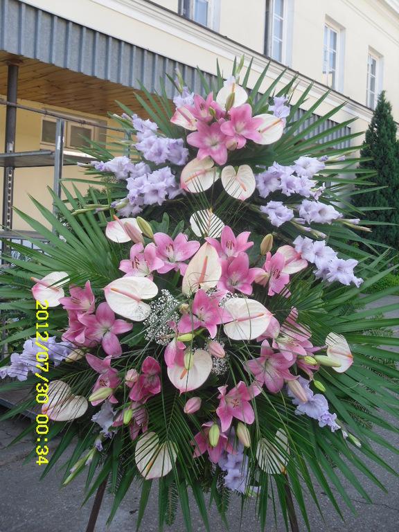 Anturium, Gladiola, Lilie w kompozyci pogrzebowej