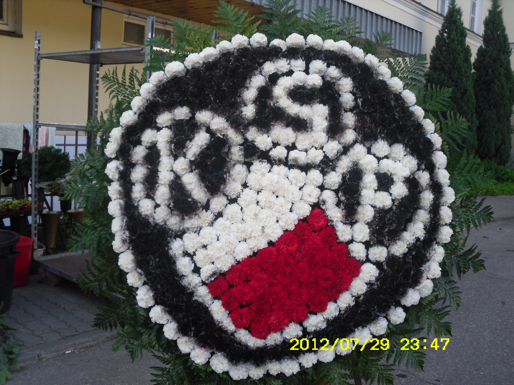 Polonia Warszawa w wiązance pogrzebowej